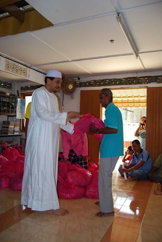 ramadan-charity0037badang.jpg