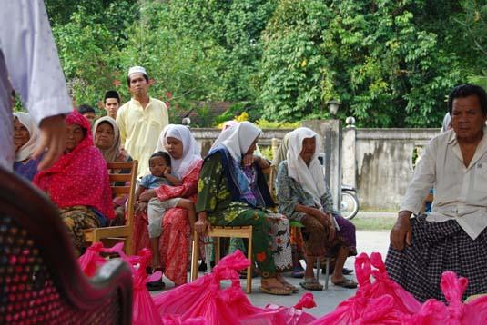ramadan-charity00066-oct-2007.jpg