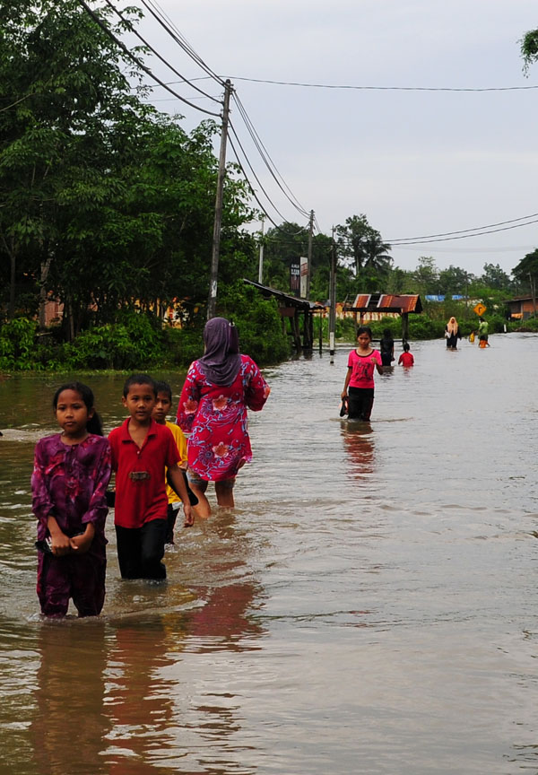 rpanjang0122banjir2008