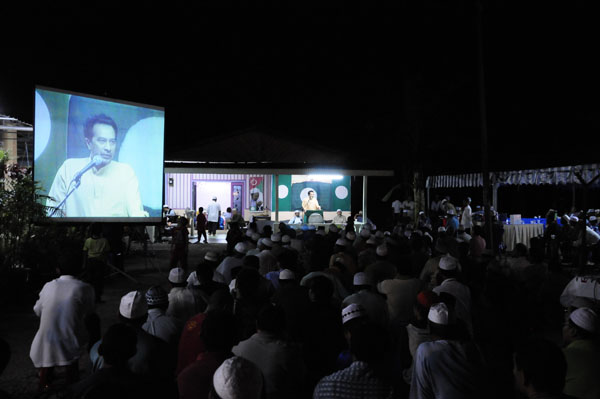 Husam Campaign Trail_0249