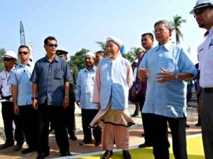 Bekas MB dan Tok Pa Ketika Majlis Port Tok Bali.